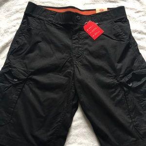 NWT Men's black urban Pipeline cargo shorts